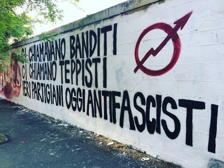 Antifa, Roma Ostiense, 2° riScatto Urbano di Unoscribacchino. Saranno conteggiati i RT al seguente tweet: https://twitter.com/unoscribacchino/status/958809664422105088