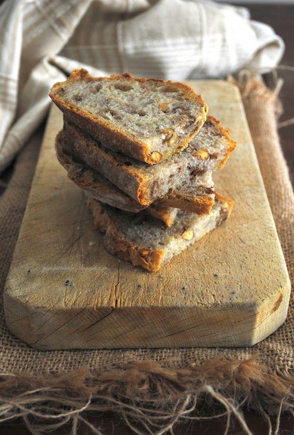 Pane, burro e alici: Pane di Kamut con noci e mandorle