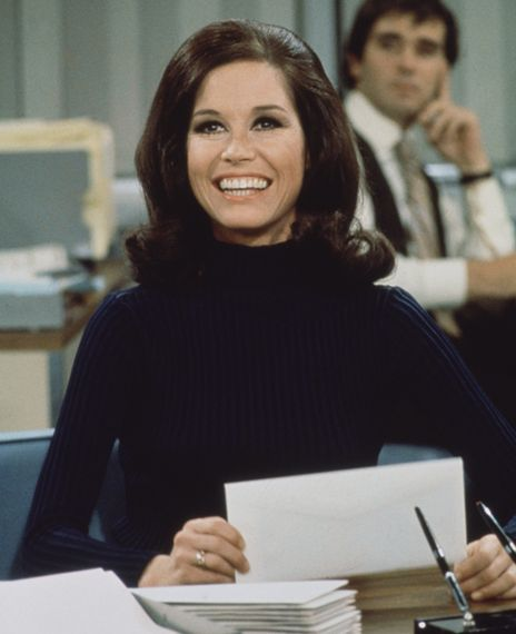 Mary Tyler Moore Passes on and Passes the Baton