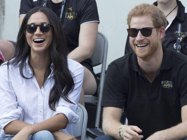"""Prinz Harry und Meghan Markle haben sich offiziell verlobt. Und wie geht es jetzt weiter? Alles Wissenswerte zur näheren Zukunft des royalen Paares lesen Sie hier. Prinz Harry (33) und Meghan Markle (36, """"Suits"""") haben sich verlobt, wie der Palast am Montag um 11 Uhr offiziell mit..."""