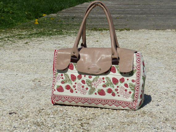 TOTE Bag Leather Tapestry Rouge  medium purse  beige by dawnaparis, €80.00