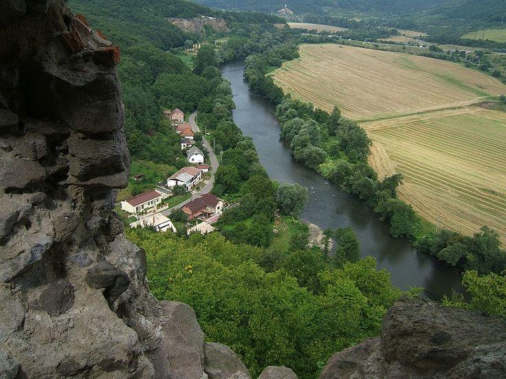 Šášovské podhradie from window3 - panoramio - Saskőváralja – Wikipédia