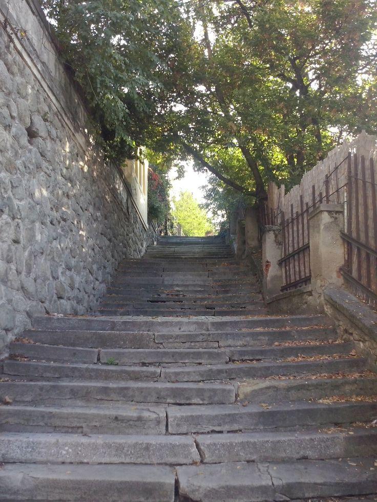 Kameň na kameni a schody do neznáma