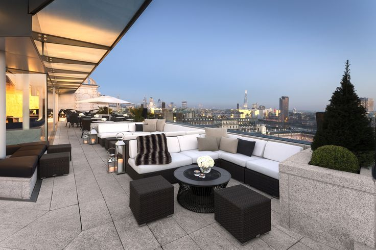 Time Out's guide to the best rooftop bars in London. Discover our recommended London rooftop bars and bars with a view