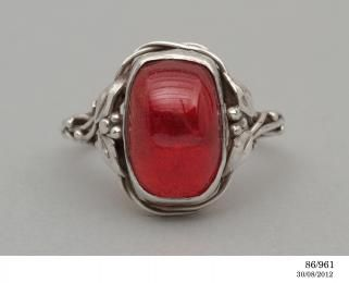 86/961 Ring, silver & cherry amber designed and made by Rhoda Wager, Australia, 1938 - Powerhouse Museum Collection
