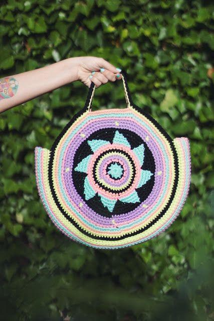 El blog de Dmc: Patrón de ganchillo gratis: bolsa veraniega de The Wool Loop
