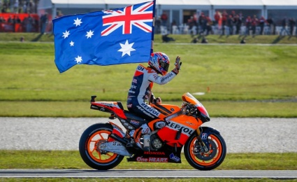 Casey Stoner inducted into MotoGP Legends club - nice one!