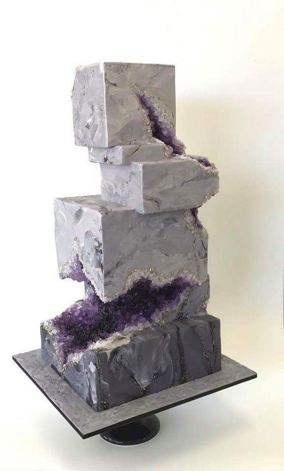 Grau und Lila Geo Hochzeitstorte #Hochzeiten #Kuchen #Hochzeitstorten #Hochzeitsidea ….   – Torten