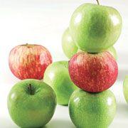 Kurabiyeleriniz taze kalsın... Hazırladığınız kurabiyeleri saklarken yanına iki dilim kabuklu elma koyun. Elma kabukları sayesinde tam 2 hafta kurabiyelerinizi taze taze yiyebilirsiniz.