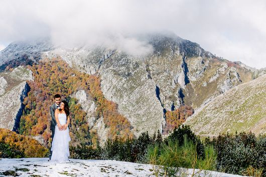 IMPRESIONANTE post boda en el Parque Natural de Redes en Asturias {Foto, f2studio} #lovesession #trashthedress #weddingphotography #fotografiadeboda #tendenciasdebodas