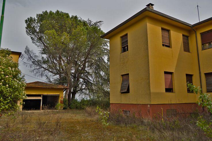 Il fascino degli edifici dismessi   #urbanarcheology #urbex #edificidismessi