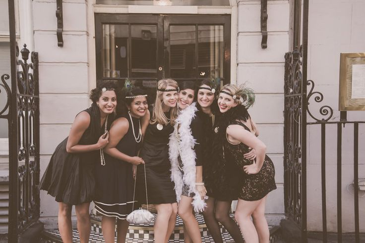A glorious 20's hen party affair perfect for the vintage hen or a 20s styled party. #20shenpartyfun #vintagehenparties
