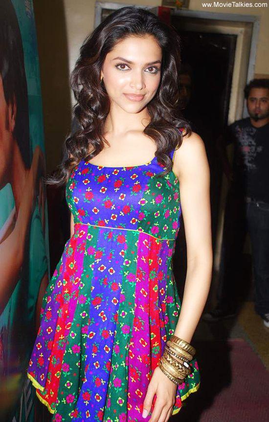 Deepika Padukone | Veethi | Kurtis | Pinterest | Cas, The ...