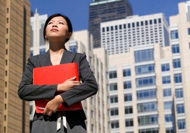 7 Tips For Young Professionals Starting A New Job | Forbes (1) Dress for success (important!), (2) relax, (3) be confident, (4) be innovative, (5) separate your personal and professional lives, (6) communicate, and (7) challenge yourself