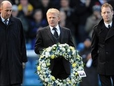 The Leeds United Championship winning midfielders Gary McAllister, Gordon Strachan, and David Batty paying tribute to their fellow midfielder the late GARY SPEED.