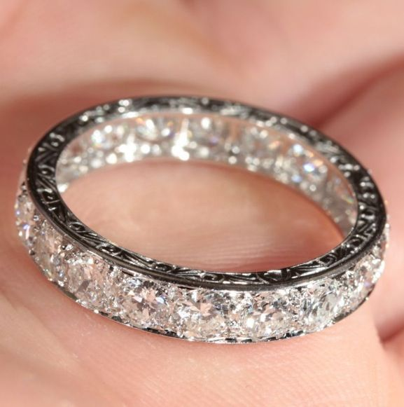 Awesome Wedding Band! Maybe a little thinner?