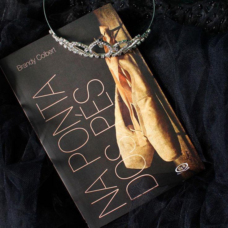 """32 curtidas, 1 comentários - Steh Barbosa (@steh_b) no Instagram: """"Na ponta dos pés - Brandy Colbert. Percebi que ainda não resenhei esse livro, escrevi tantas…"""""""