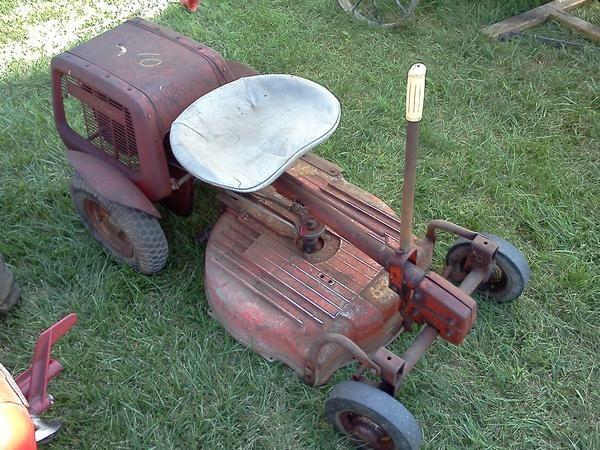 1957 Simplicity Lawn Tractor