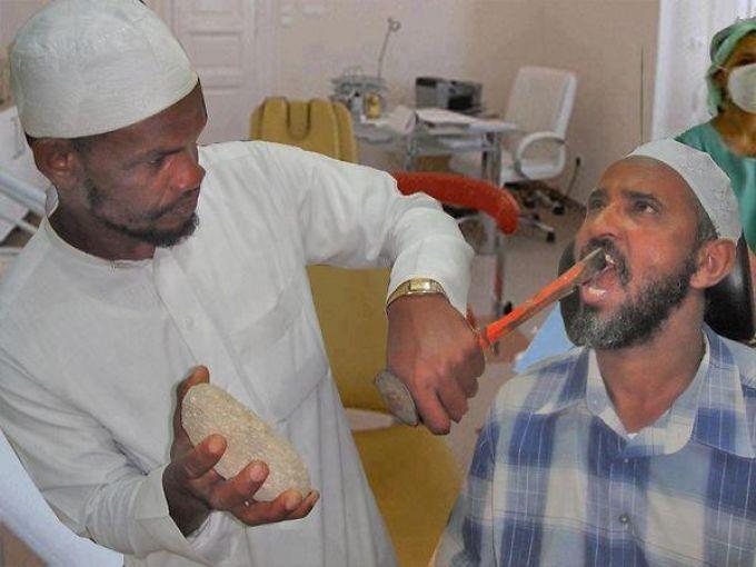 Odontología extrema. Más en http://www.lasfotosmasgraciosas.com/medicos.html