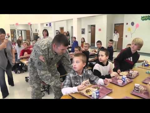 Military Dad Delivers Best School Lunch Surprise Ever (VIDEO)