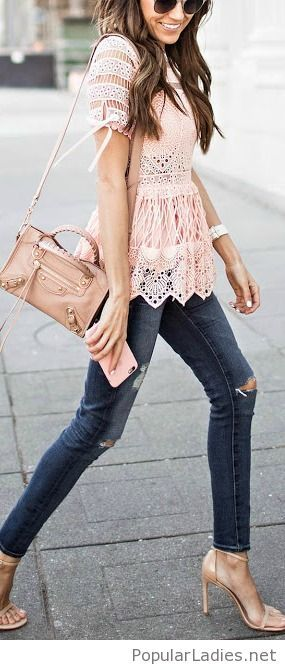 jeans-with-a-lace-top-and-nude-accessories