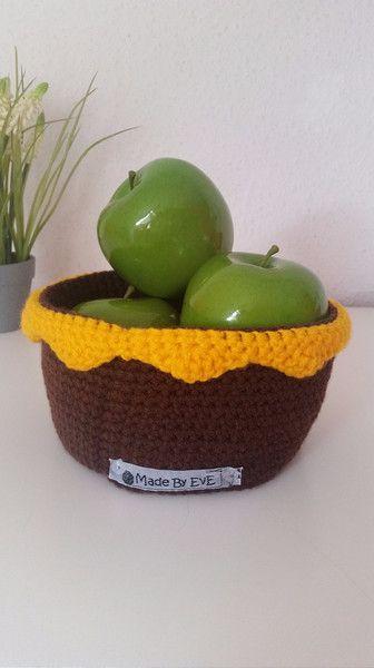 Körbe - Körbchen mit Borte L gehäkelt dunkelbraun/gelb - ein Designerstück von EvE-Paris bei DaWanda