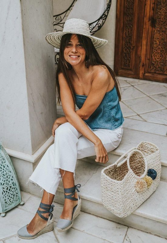 Keep going! You are half-way to the weekend New favorite Clara Espadrilles now in Grey Vegan Fashion, New Fashion, Fashion Outfits, Womens Fashion, Fashion Trends, Espadrilles Outfit, Outfits Mujer, Looks Chic, Spanish Style