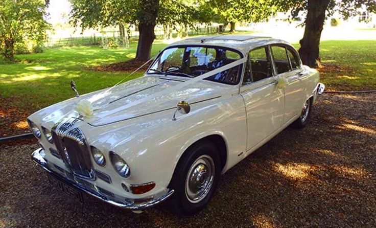 1966 antique white Daimler sovereign when you need to make an entrance ! #lesleycutlerbridal #Luxury #bride #wedding #thereontime #luxury wedding