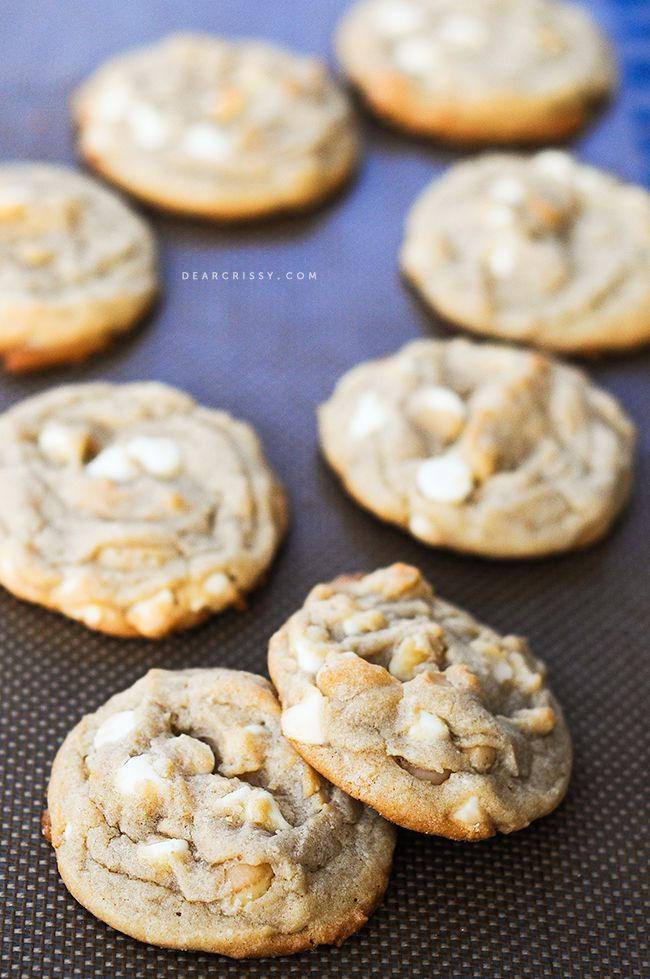 White chocolate macadamia nut cookies | DearCrissy.com