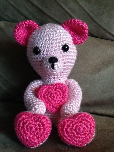 Valentine Teddy Bear crochet pattern