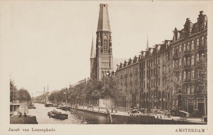Jacob van Lennepkade ter hoogte van de brug naar de Pieter Langendijkstraat met zicht op de St. Vincentiuskerk, ca 1928.