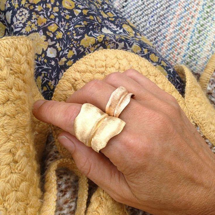 "170 gilla-markeringar, 1 kommentarer - OLE LYNGGAARD COPENHAGEN (@olelynggaardcopenhagen) på Instagram: ""Wrap it up! Designer Charlotte Lynggaard wearing the Leaves rings for a serene weekend look. Shop…"""