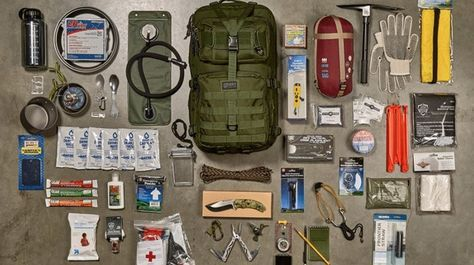 Do you want to know what to include in your 72 hour survival kit? If not, then check out this solid list of survival items.