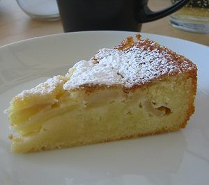 Apfel-Rahm-Kuchen - apple rum custard cake. The title says it all ~ easy, quick, and oh so light :)