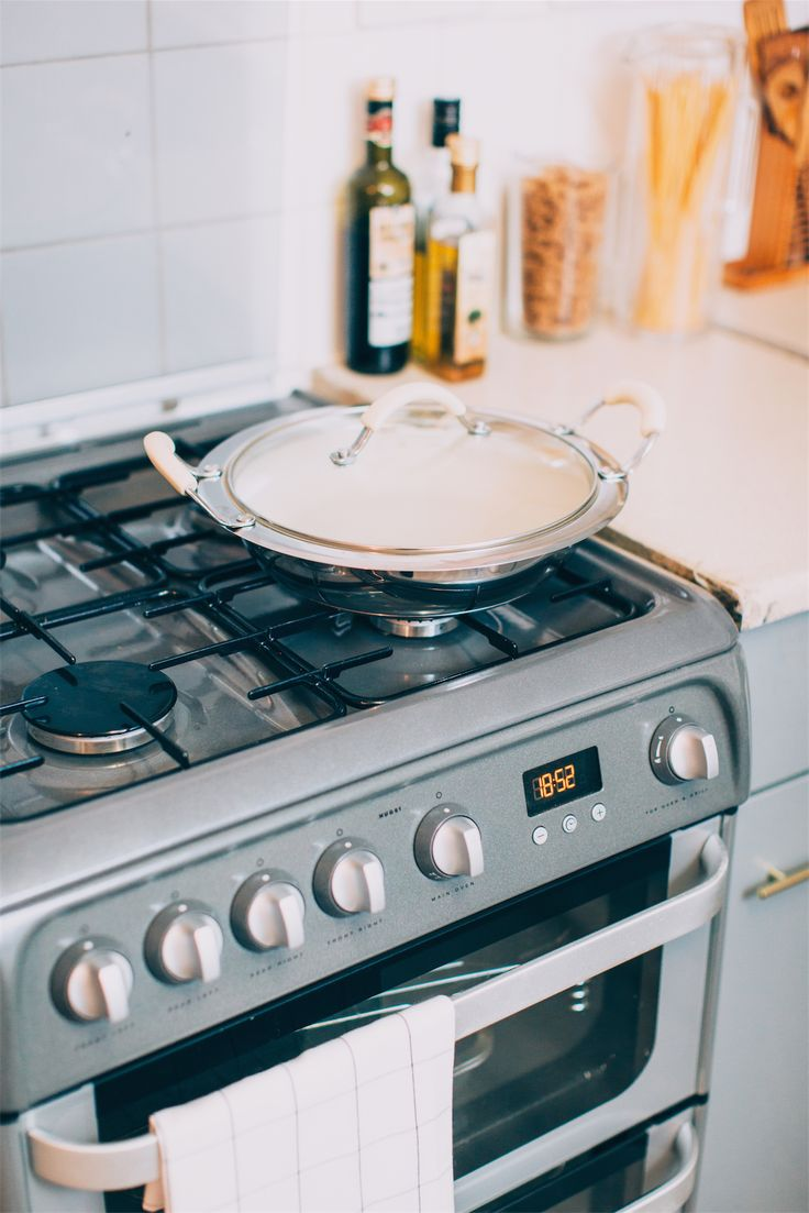 Cream pot from @qvcuk  Hotpoint cooker via @johnlewisretail   [Picture by @krisatomic for Abimarvel.com]