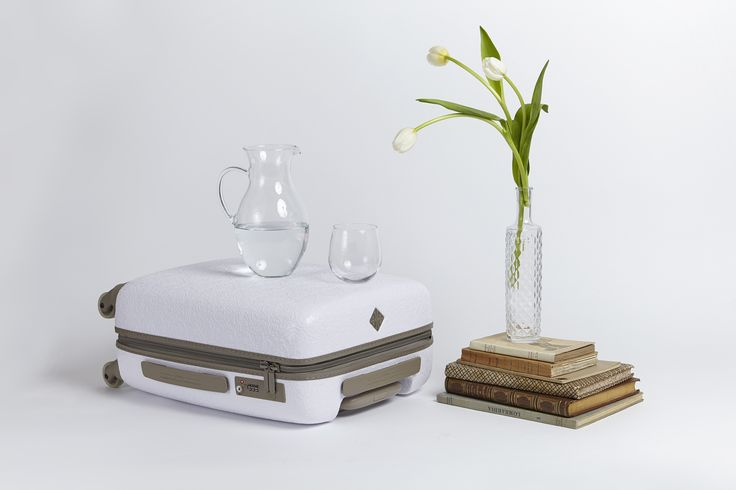 Saint Jacques Collection designed by Marcel Wanders for Fabbrica Pelletterie Milano.