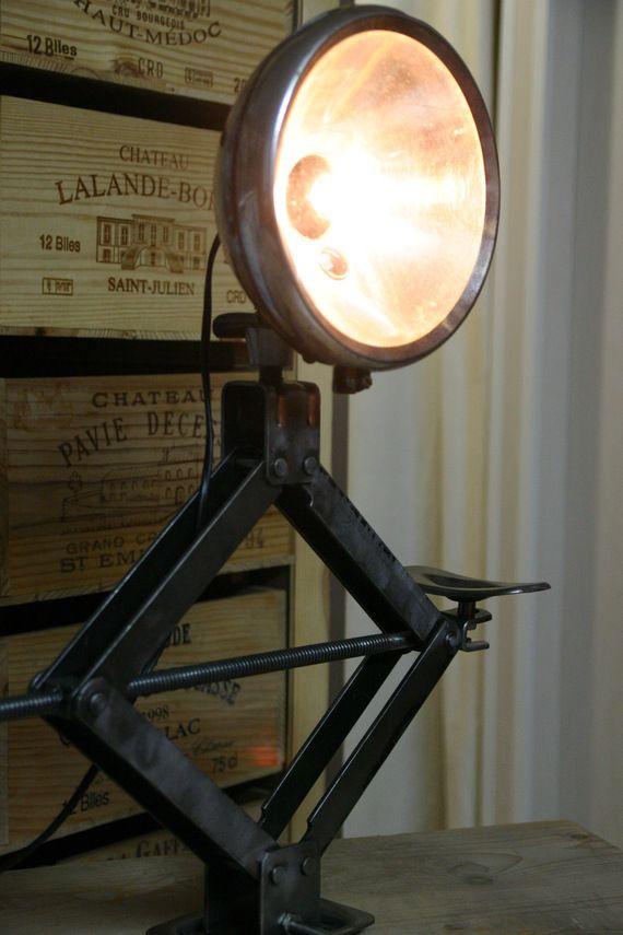 lampe avec un cric auto recycl d co diy d co diy en. Black Bedroom Furniture Sets. Home Design Ideas