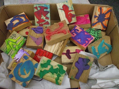 students made their own Adinkra stamps to create a cloth @wkesrtsmarts.blogspot.com