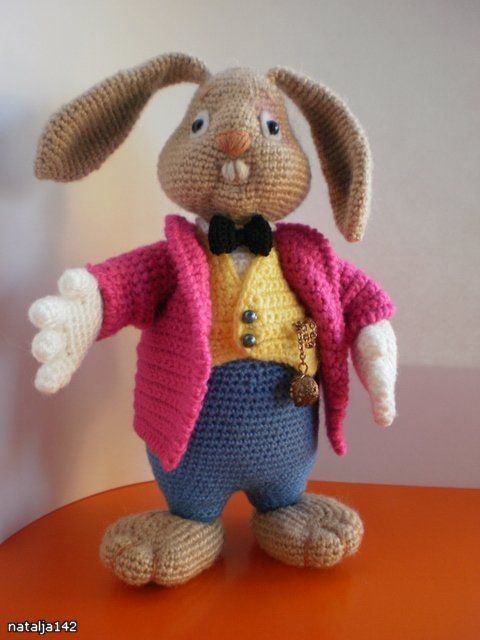 Rabbit - free crochet pdf pattern in Russian
