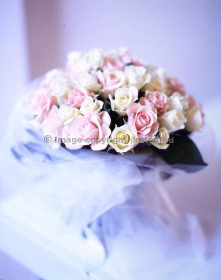 Cream And Pink Jane Packer Wedding BouquetsWedding