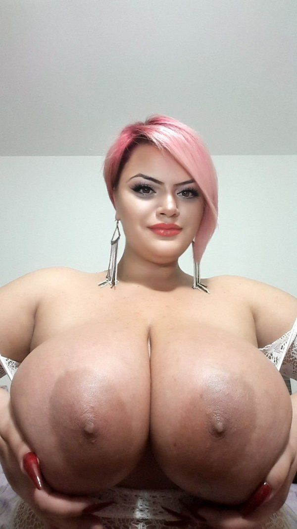 Huge Heavy boob and