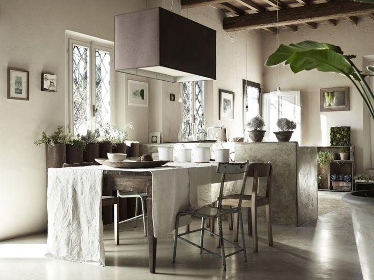 Une maison en tons naturels en Italie - PLANETE DECO a homes world