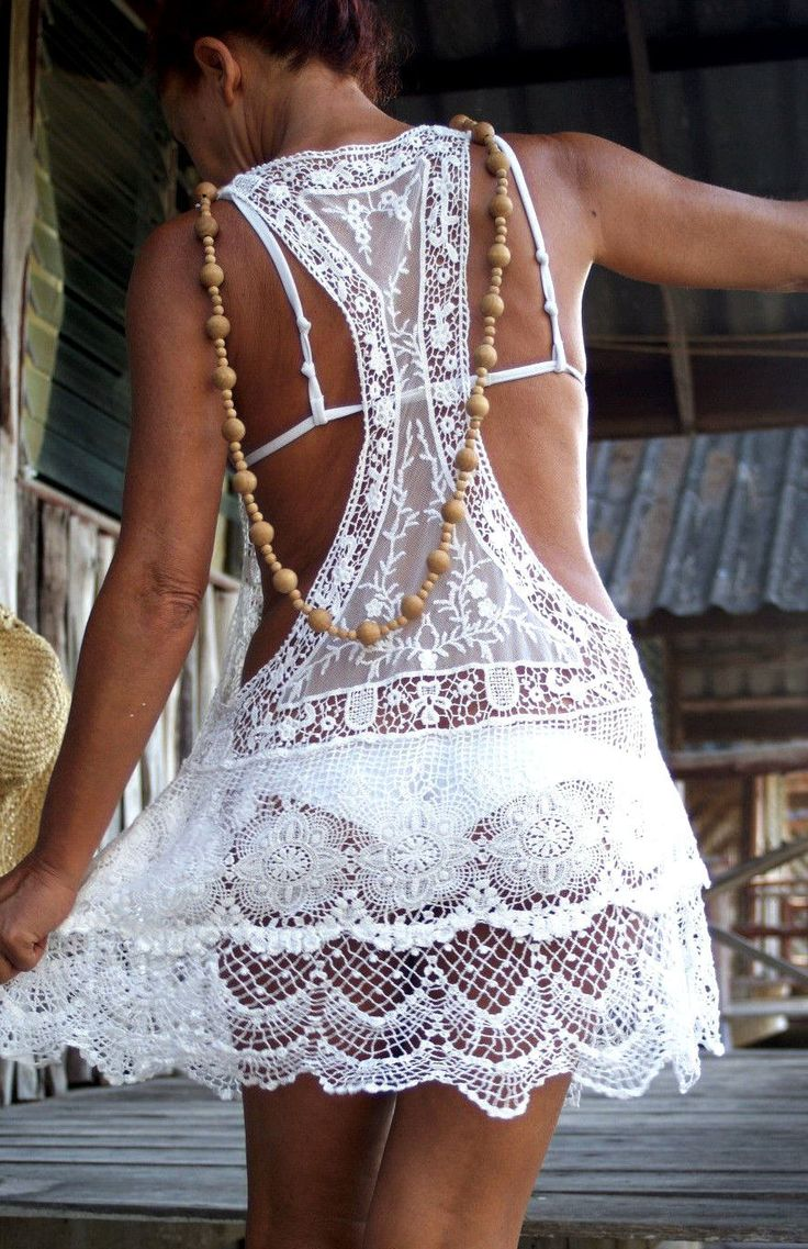 Romantic & Sexy Mini Dress Ibiza Style Backless Handmade Copricostume Tunica Cover Up Mare Pizzo Cotone Bianco Lace Boho Hippie Festival di BeHappieWorld su Etsy