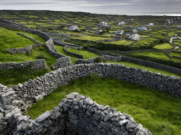 Ireland :): Aran Islands, Buckets Lists, Ireland Landscape, Dreams, Stones Wall, National Geographic, Holidays Destinations, Stones Fence, Rocks