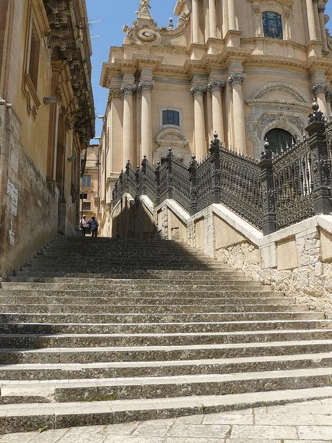 Ragusa, Sicilia ~ San Giorgio ~ Chiesa Madre. Montalbano walks down these same steps.