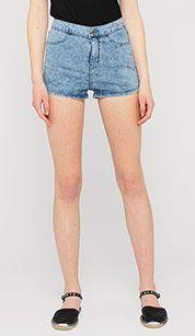 Verwaschene Shorts in hellblau