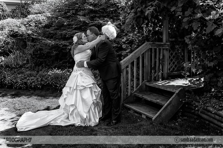 Are you looking for a creative and artistic wedding photographer? Servicing Halifax NS and the surrounding Maritime provinces. Available for international travel. Visit my website at www.sandraadamson.com  #wedding #photographer #photography #halifax #ns #novascotia #sandraadamson #photo #image #bride #groom #firstlook