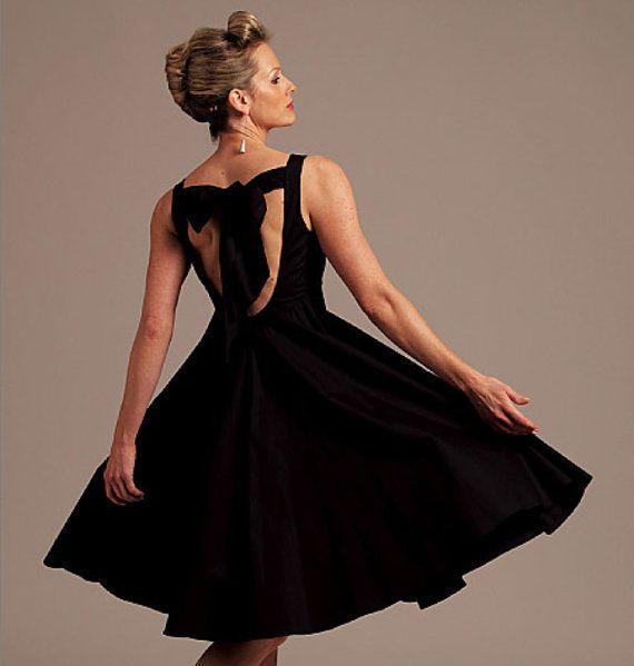 Abito da sera modello Vogue Uncut V1102 Andrea Katz schiena