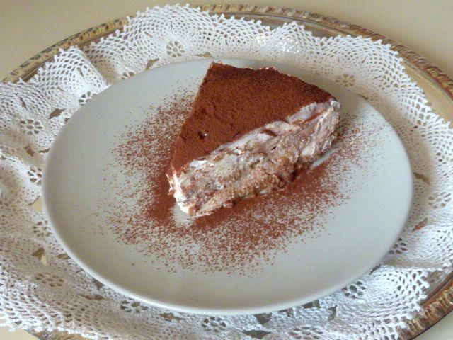 Cheesecake τιραμισού, νόστιμο γλυκό με κρέμα από μασκαρπόνε και κρέμα γάλακτος, και σαβουαγιάρ εμποτισμένα με γάλα και καφέ εσπρέσσο, δεν χρειάζεται ψήσιμο!