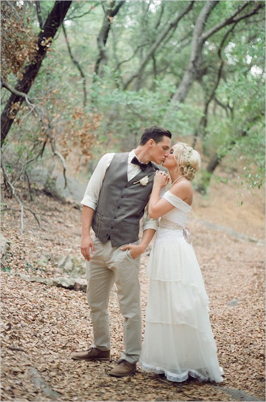 So in love captured by Jenna Petersen Photography #love #vintagewedding